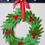 KIDS HANDPRINT WREATH