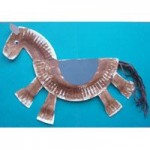 Paper plate horse craft.
