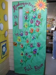 Cute door idea for spring
