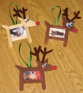 Popsicle stick and clothes pin reindeer