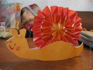 accordion snail craft