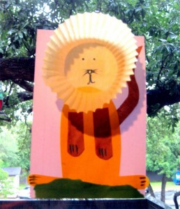 cupcake liner lion craft!