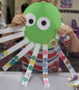 free paper octopus craft idea for kids (3)