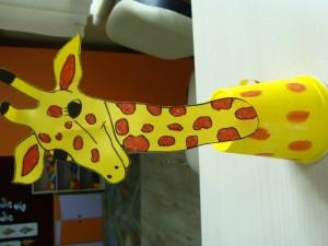 paper cup giraffe