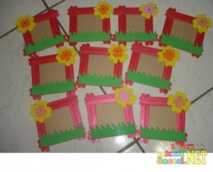 popsicle stick frame craft idea for kids