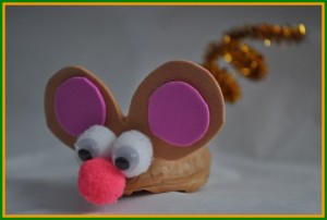 walnuts mouse craft