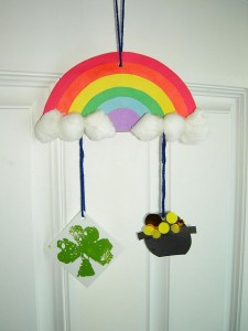St. Patrick's Day mobile craft for kids