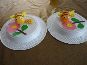 plastic-egg-bee-craft
