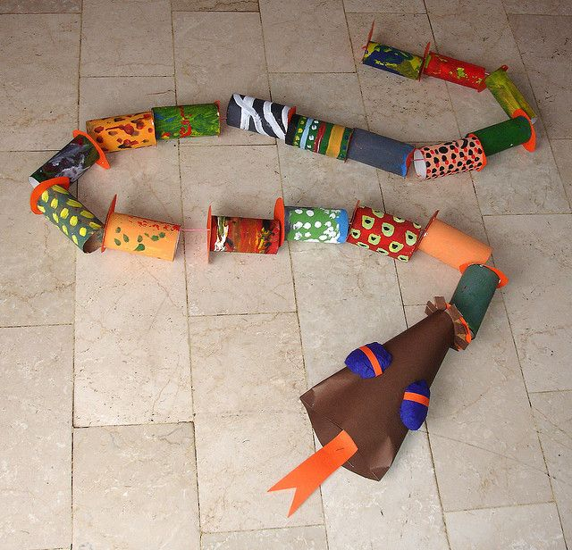 toilet paper roll snake craft