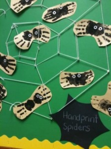 Sweet Handprint Spiders