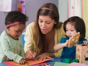 preschool-teacher-with-toddlers