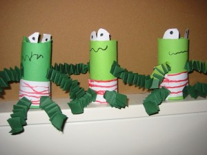 toilet paper roll frog craft