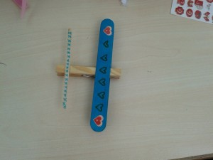 clothes pin and popsicle plane_800x600
