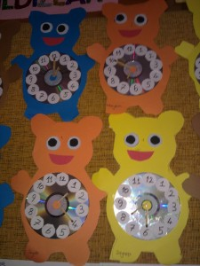 bear clock craft idea (7)