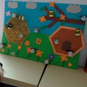 bee bulletin board  (3)