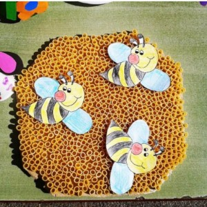 bee bulletin board  (6)