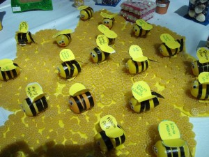 bee bulletin board idea for kids