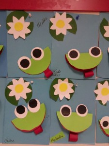 paper frog craft (1)