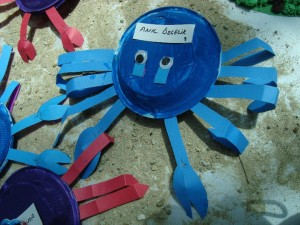 paper plate  crab craft