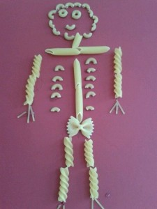 pasta skeleton craft