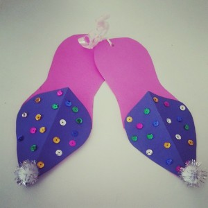 slippers craft idea for kids (13)