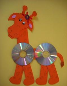 cd giraffe craft with template (2)