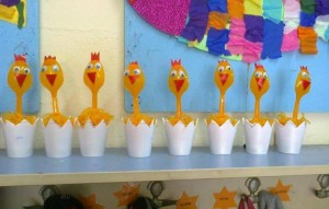 paper cup and plastic spoon chick craft
