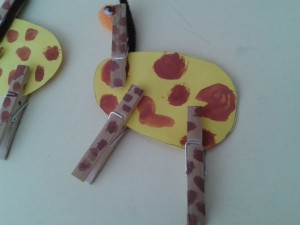 clothespin giraffe craft