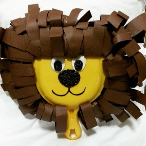 dustpan lion craft idea