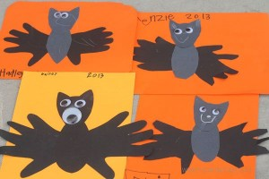 handprint bats craft
