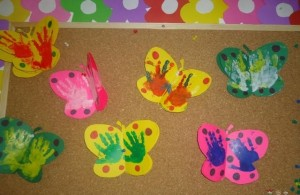 handprint butterfly craft (1)