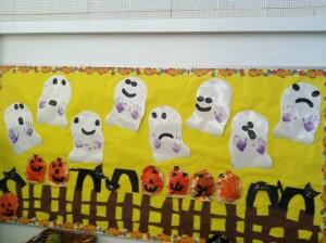 halloween bulletin board idea (3)