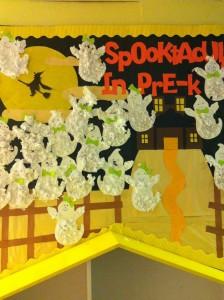 halloween bulletin board idea (4)
