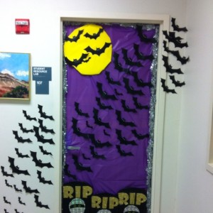 halloween_door_decoration