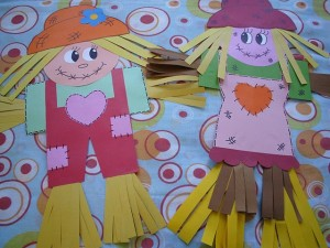 scarecrow craft idea for kids