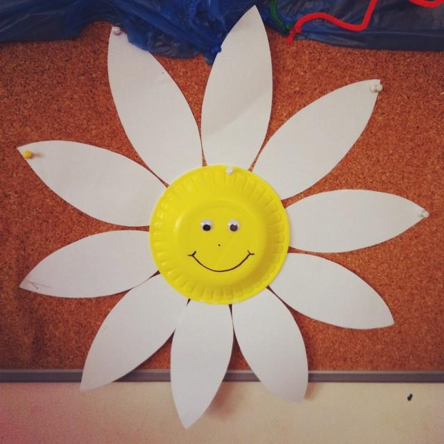 Craftsactvities and worksheets for preschooltoddler and kindergarten paper plate flower craft mightylinksfo