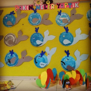 paper plate whale craft idea