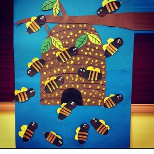 bee bulletin board idea for kids (4)