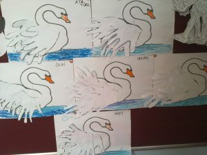 handprint swan craft idea for kids