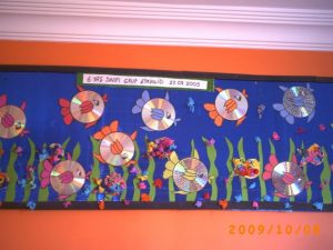 cd fish bulletin board idea for preschoolers