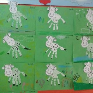 handprint cow craft