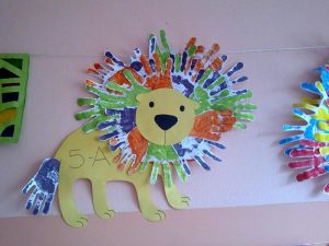 handprint lion bulletin board idea