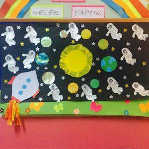 astronaut-bulletin-board-idea-for-kids