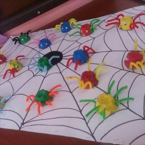 egg-carton-spider-craft-idea