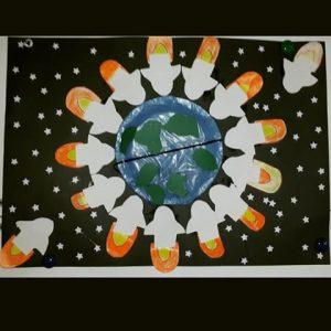 rocket-bulletin-board-idea-for-kids