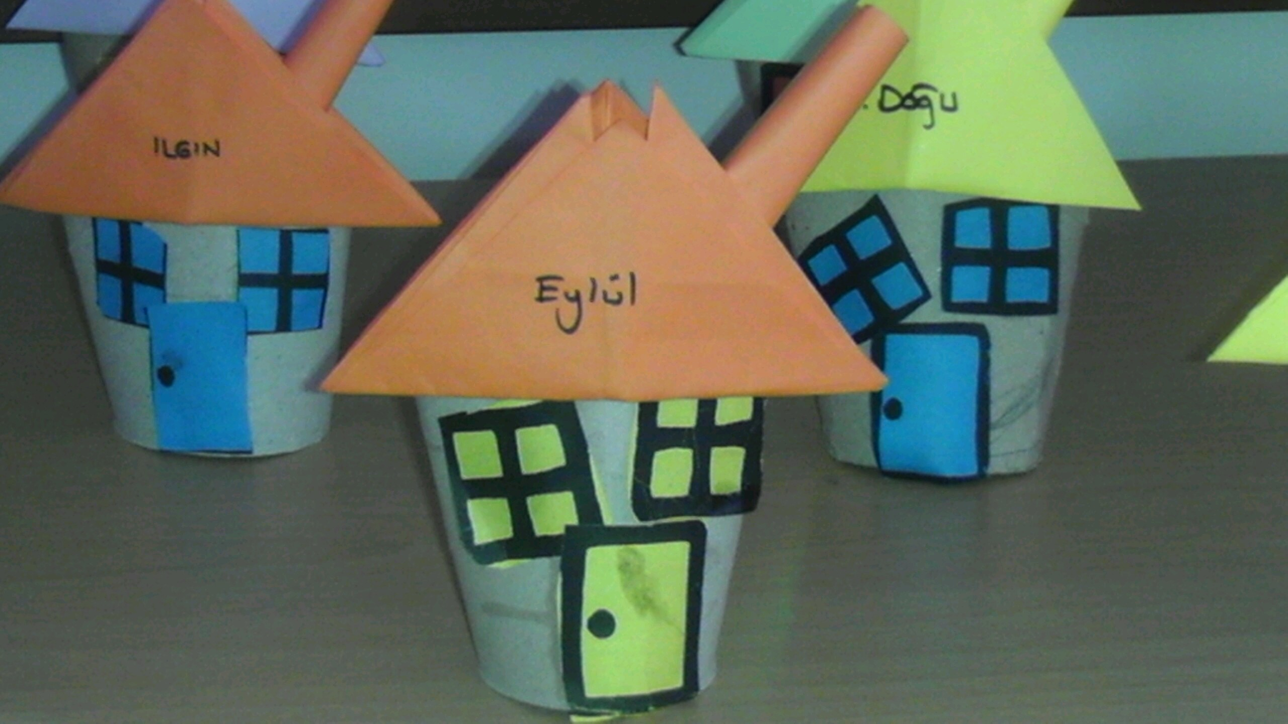toilet-paper-roll-house-craft-idea