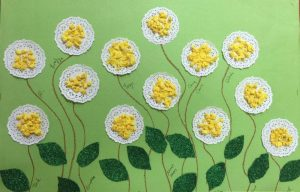 paper-doilies-flower-craft-idea-for-kids