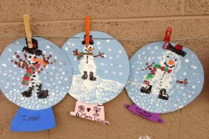 snow-globe-craft-idea-for-kids-1