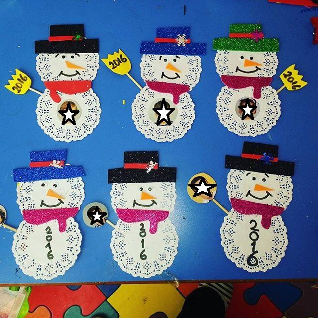 paper-doilies-snowman-craft