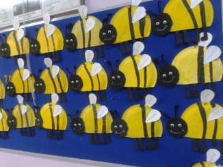 Paper plate animals craft idea for kids : paper plate bee - pezcame.com